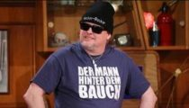 markus krebs in der comedy kneipe 0mtzRcYuZno e1590428392250 Sinnlos Internet - Die sinnlose Portion Spaß