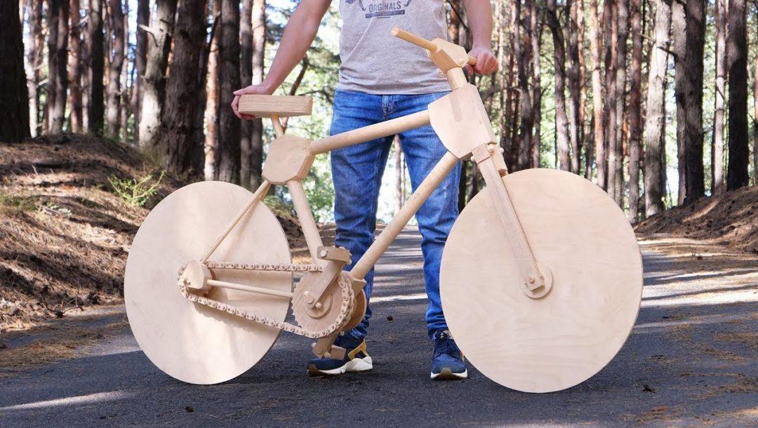Fahrrad komplett aus Holz